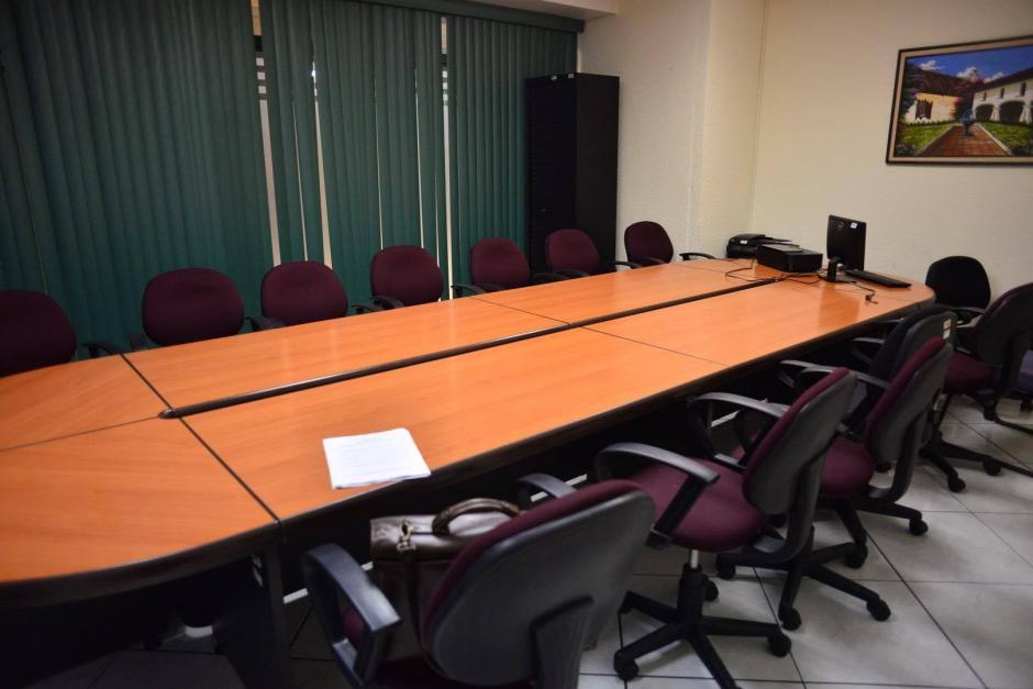La oficina más cara del Congreso tiene una sala de juntas. (Foto: Jesús Alfonso/Soy502)