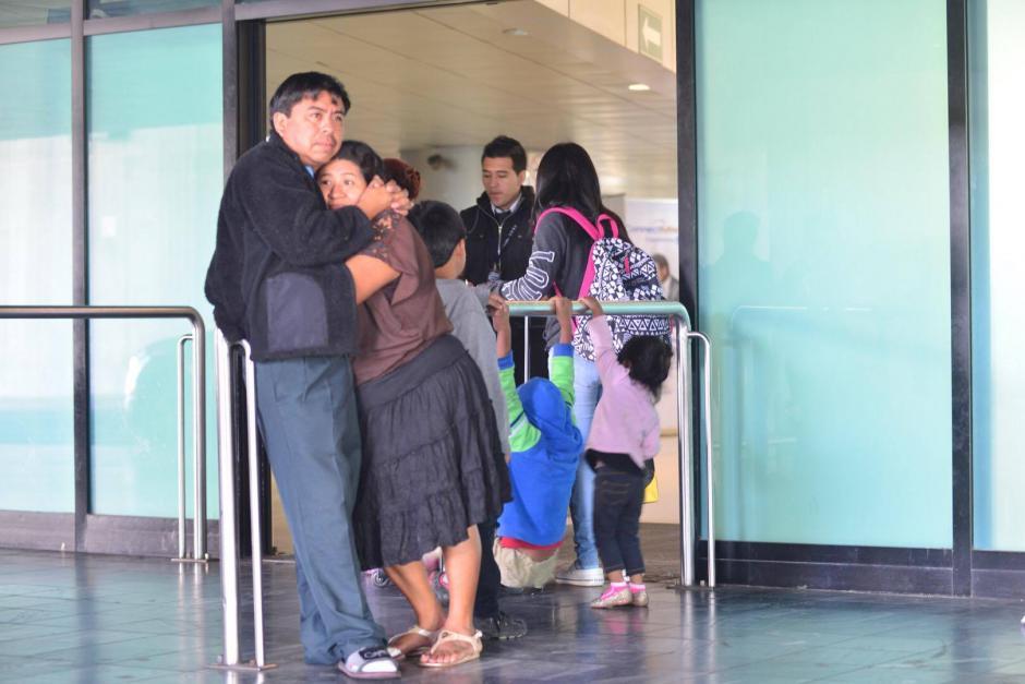 El Aeropuerto Internacional La Aurora reanudó las operaciones luego de que cerrara desde la noche del miércoles por la erupción del volcán de Fuego. (Foto: Jesús Alfonso/Soy502)