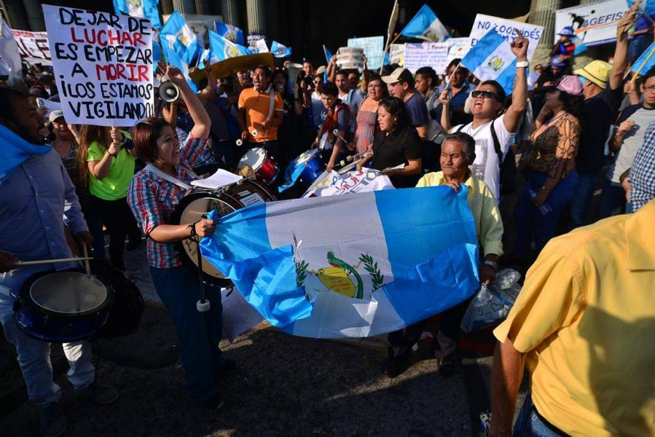 La mayor parte de manifestantes participaron en las marchas y concentraciones que pidieron la renuncia de la exvicepresidenta Roxana Baldetti y el expresidente Otto Pérez Molina, ambos en prisión.(Foto: Wilder López/Soy502)