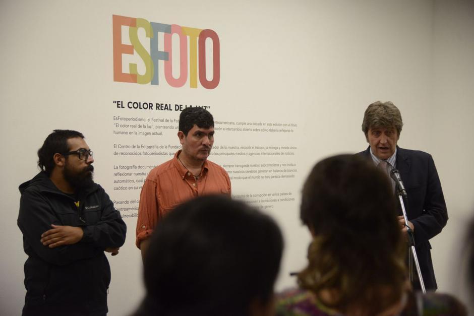 """Inauguran la muestra fotográfica que incluye 30 instantáneas y que lleva por nombre """"El Color Real de la Luz"""". (Foto: Soy502)"""