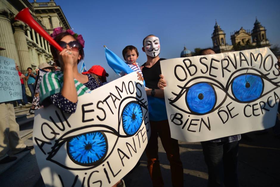 Cansados de los actos de corrupción en las altas esferas de gobierno, los ciudadanos exigen transparencia y compromiso.(Foto: Wilder López/Soy502)