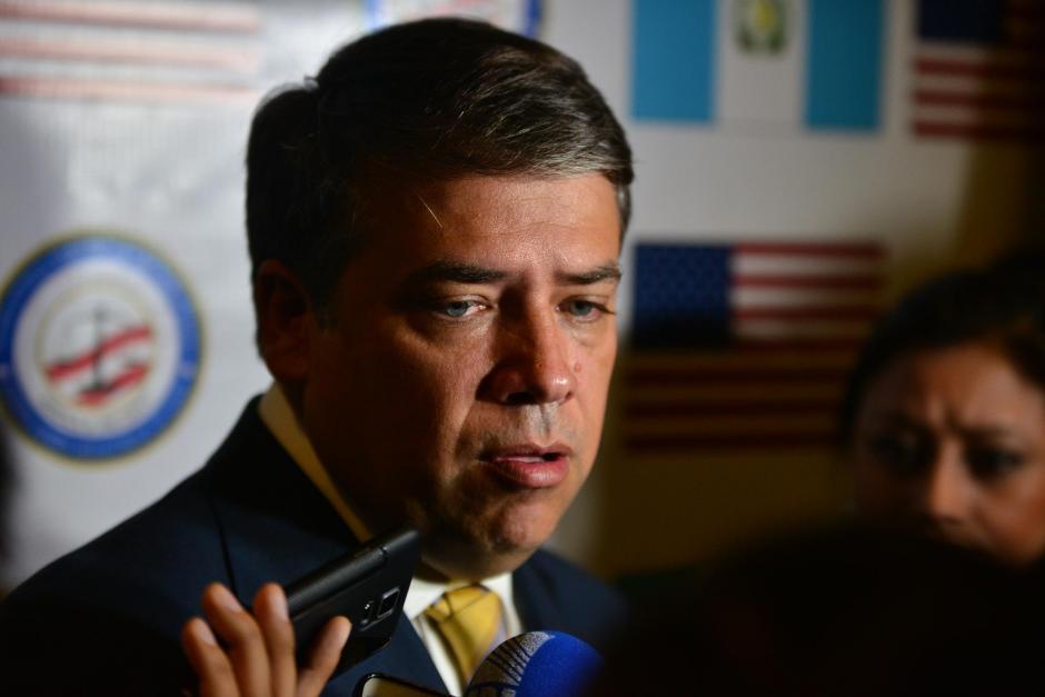 El Alcalde de Villa Nueva, Edwin Escobar durante una conferencia de prensa sobre el Simposio de Seguridad Ciudadana. (Foto: Wilder López/Soy502)