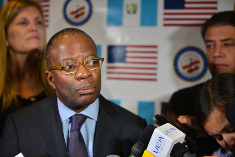 El Embajador de los Estados Unidos, Todd Robinson participa en el Simposio de Seguridad Ciudadana. (Foto: Wilder López/Soy502)
