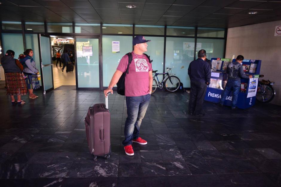 Este jueves a las 7 de la mañana se reanudaron las operaciones en el Aeropuerto Internacional la Aurora, luego de permanecer cerrado por la erupción del volcán de Fuego. (Foto: Jesús Alfonso/ Soy502)
