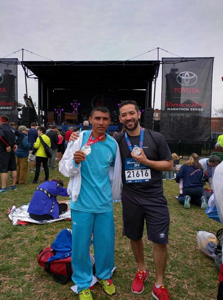 Arévalo, de 40 años, compartió con varios guatemaltecos que también compitieron. (Foto: cortesía de Alejandro Donis)