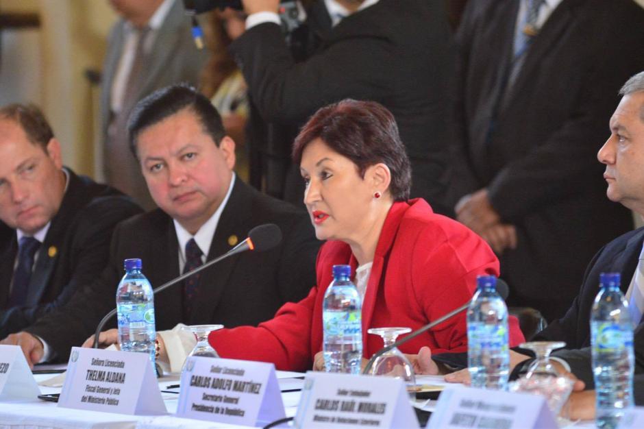 La Fiscal General Thelma Aldana participó en una reunión entre el presidente de la República Jimmy Morales y el presidente del Legislativo, Mario Taracena. (Foto: Jesús Alfonso/ Soy502)