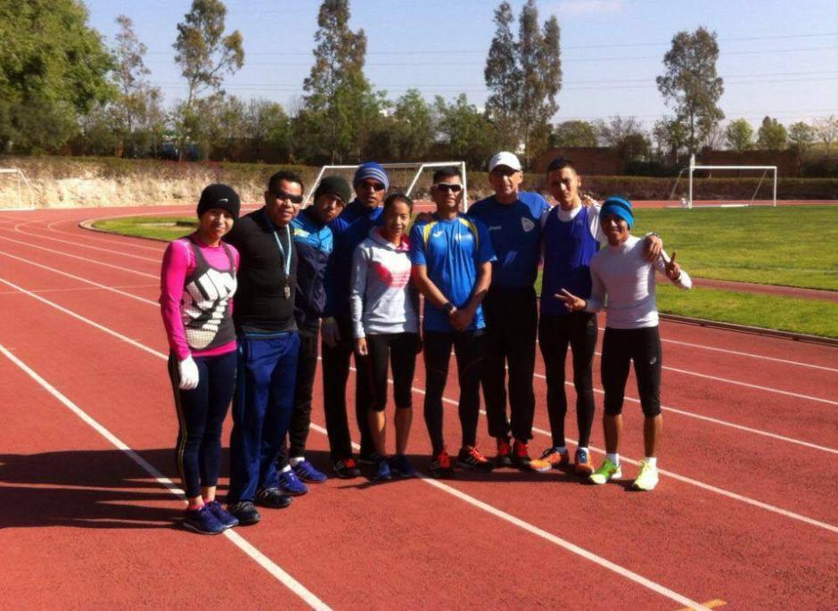 El equipo guatemalteco de marcha entrena todos los días en el Centro Deportivo Lomas, de San Luis Potosí, en México. (Foto: Cortesía Julio Urías)