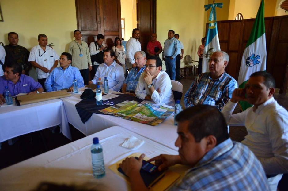 Morales se reunió con autoridades de Retalhuleu para evaluar temas de turismo y carreteras. (Foto: Jesús Alfonso/Soy502)