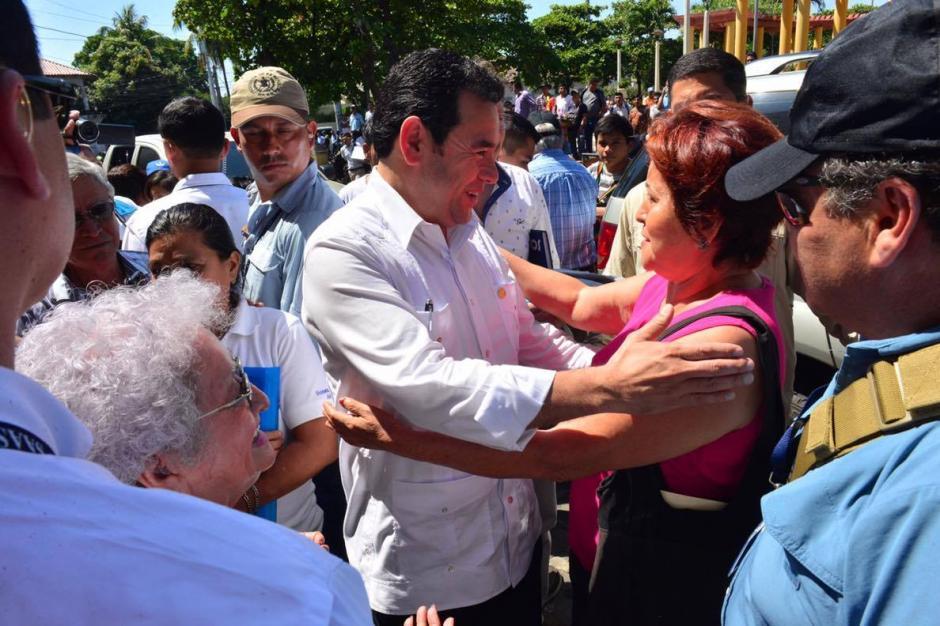 Por segundo día los ciudadanos le cuestionaron a Morales sobre sus recursos financieros. (Foto: Jesús Alfonso/Soy502)