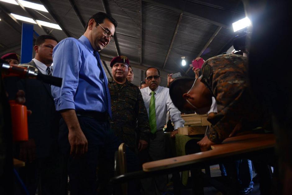 Personalmente, el presidente supervisó el trabajo y elogió a los militares. (Foto: Jesús Alfonso/Soy502)