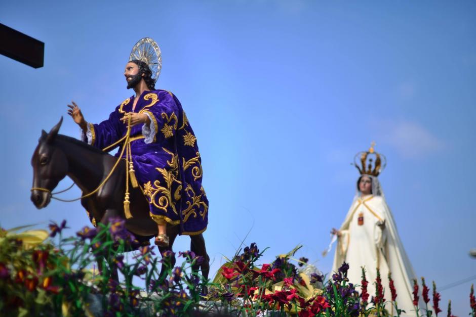 La procesión representa la entrada de Jesús en Jerusalén. (Foto: Jesús Alfonso/Soy502)