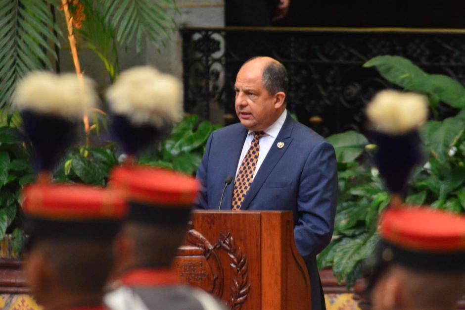 El presidente de Costa Rica Luis Guillermo Solís se reunió con el presidente de la República Jimmy Morales  en el Palacio Nacional de la Cultura. (Foto: Jesús Alfonso/ Soy502)