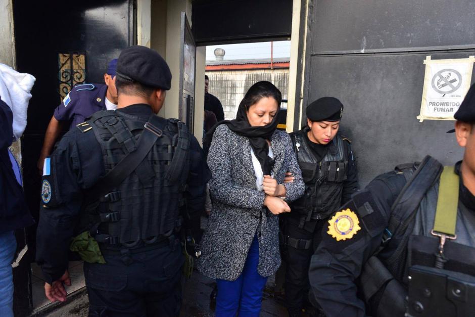 Clara Mariel Carballo Carballo fue detenida por el delito de fraude. (Foto:Jesús Alfonso/Soy502)