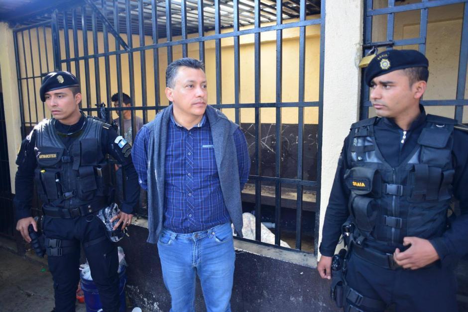 Pablo González fue capturado y conducido al Juzgado de Villa Nueva (Foto: Jesús Alfonso/Soy502)