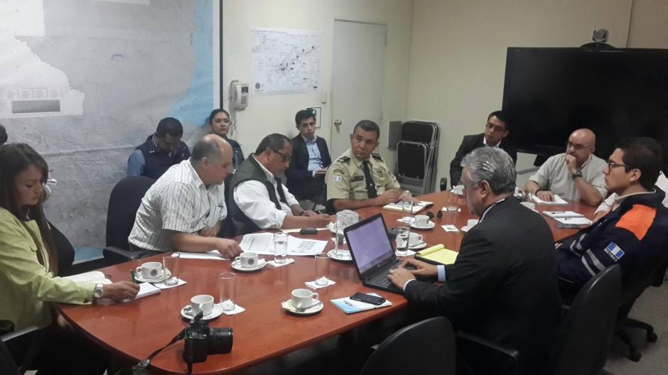 Mesa técnica determina las acciones inmediatas que se tendrán en el tema del Puente Belice. (Foto: Facebook/ Conred)