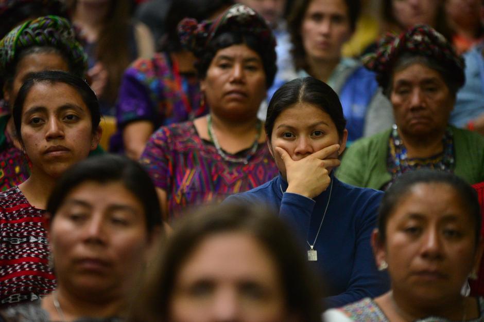Familiares de las víctimas y asistentes a la Sala de Vistas de la Corte Suprema de Justicia esperaban la sentencia que fuera impuesta por el Tribunal. (Foto: Wilder López/Soy502)
