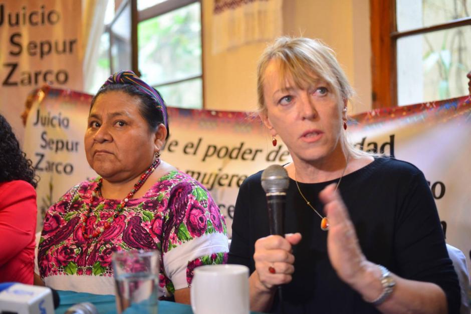 Durante una conferencia de prensa, las Premio Nobel de la Paz Jody Williams y Rigoberta Menchú reafirmaron su apoyo a las víctimas del caso Sepur Zarco. (Foto: Jesús Alfonso/Soy502)