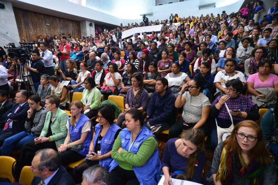 Familiares de las víctimas y sectores sociales asistieron a la sentencia por el caso Sepur Zarco en donde dos militares retirados fueron condenados. (Foto: Wilder López/Soy502)