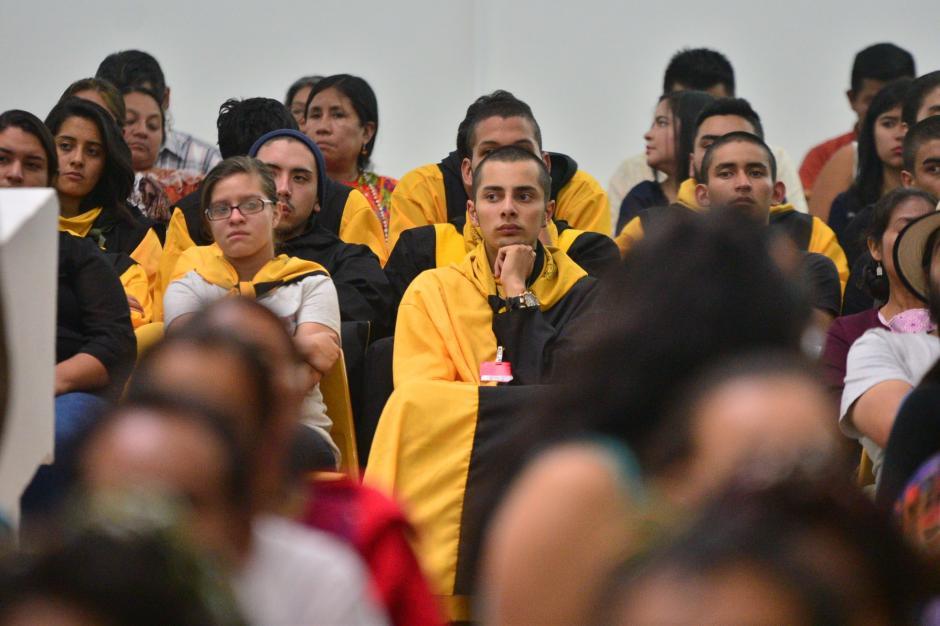 Estudiantes de la Universidad de San Carlos de Guatemala asistieron a la sentencia del caso Sepur Zarco en la Sala de Vistas de la Corte Suprema de Justicia. (Foto: Wilder López/Soy502)