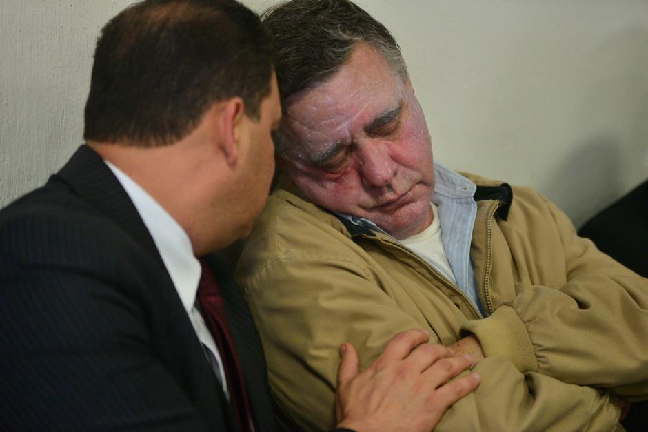 El empresario tenía una capa de crema en el rostro que le daba un tono pálido a su piel.  (Foto: Wilder López/Soy502)