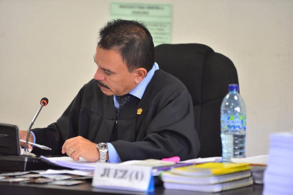 La audiencia por el caso Lago de Amatitlán se realiza por cuestión de jurisdicción en el Juzgado de Primera Instancia Penal de Villa Nueva, a cargo del juez  Arnoldo Orellana. (Foto: Jesús Alfonso/Soy502)