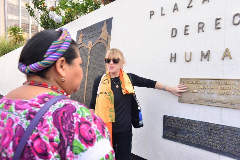 Las premio Nobel de la Paz Jody Williams y Rigoberta Menchú reafirmaron su apoyo a las víctimas del caso Sepur Zarco. (Foto: Jesús Alfonso/ Soy502)