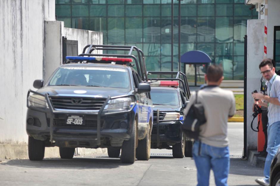 El operativo inició a eso de las 9 de la mañana. Jiménez fue entregado a las autoridades de EE.UU. (Foto: Wilder López/Soy502)