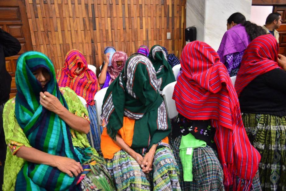 Varias mujeres víctimas han estado presentes en cada una de las audiencias. (Foto: Jesús Alfonso/Soy502)