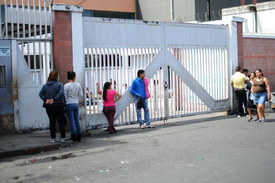 Las áreas de Maternidad y Neonatos del Hospital San Juan de Dios se encuentran colapsadas confirman los galenos. (Foto: Alejandro Balán/Soy502)