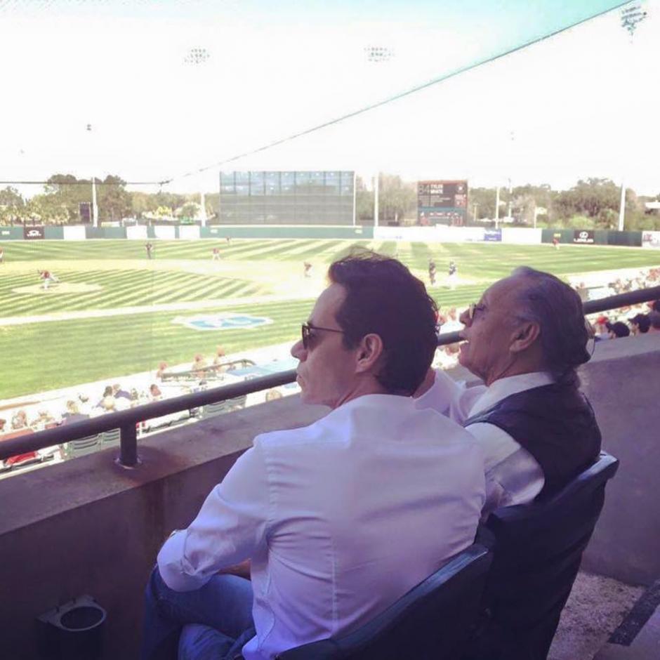 Marc Anthony ha demostrado tomarse el tiempo para realizar algunas actividades junto a su padre. (Foto Facebook/Don Felipe Muñiz)
