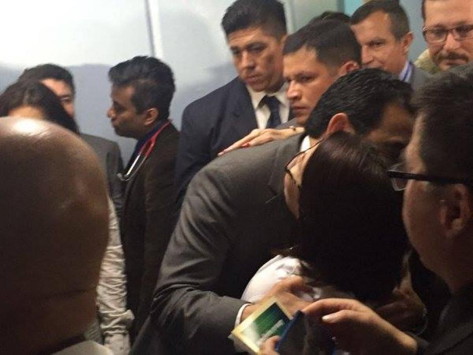 El mandatario se reunió con enfermeras y doctores del Hospital San Juan de Dios. (Foto: Jorge Sente/Nuestro Diario)