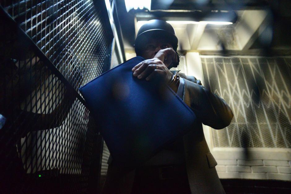 Con casco y chaleco antibalas, fueron trasladados los sindicados. (Foto: Wilder López/Soy502)