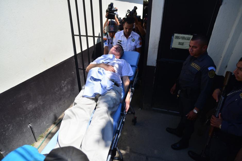 Uri Roitman, empresario vinculado a un caso de Lago de Amatitlán, se desmayó y alega quebrantos de salud. (Foto: Wilder López/Soy502)