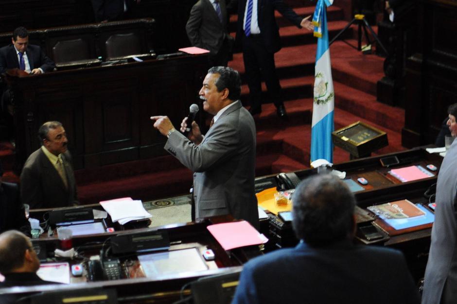 Manuel Conde, diputado del PAN, defiende que aprobar la paridad es atentar contra la libertad. (Foto: Alejandro Balan/Soy502)