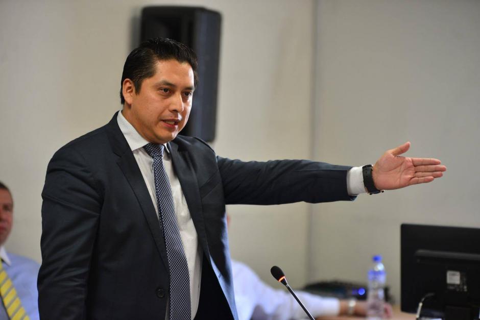 El abogado Mario Cano no logró que el juez absolviera a su clienta, la exvicepresidenta Roxana Baldetti. (Foto: Jesús Alfonso/Soy502)