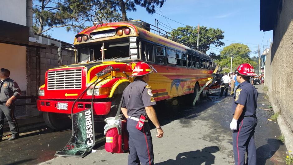 Bomberos Municipales y Voluntarios atendieron la emergencia. (Foto: Bomberos Municipales Departamentales)