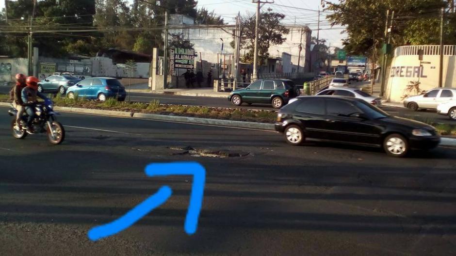 La última semana fue la más crítica debido al hundimiento del asfalto. (Foto: Facebook Ange Nuñez)