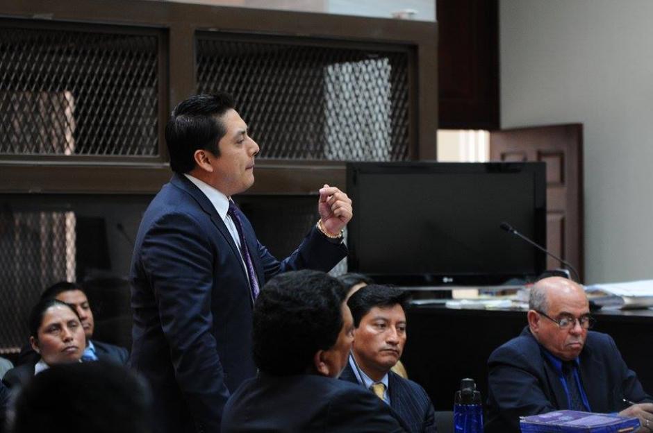 Otro abogado que insiste en que Eco no puede declarar por ser cabecilla de La Línea es Mario Cano, defensor de la exvicepresidenta Roxana Baldetti. (Foto Wilder López/Soy502)