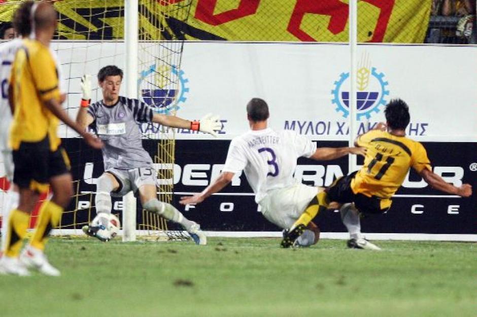 Ruiz le anotó dos veces al Austria Viena en la Europa League. (Foto: Twitter)
