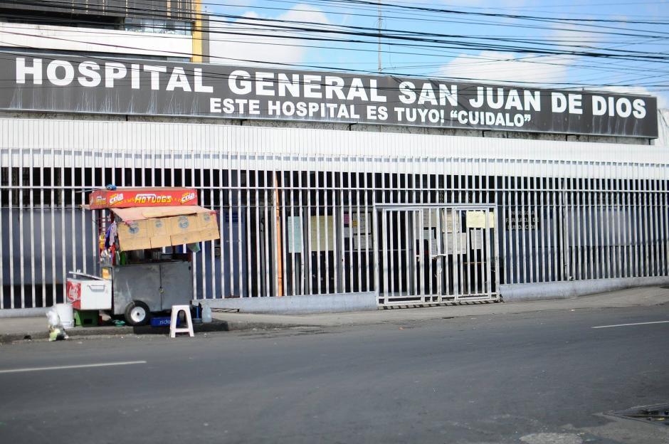 Según Julio Figueroa, Director del San Juan de Dios están recibiendo todo tipo de pacientes que asistan al nosocomio. (Foto: Alejandro Balán/Soy502)