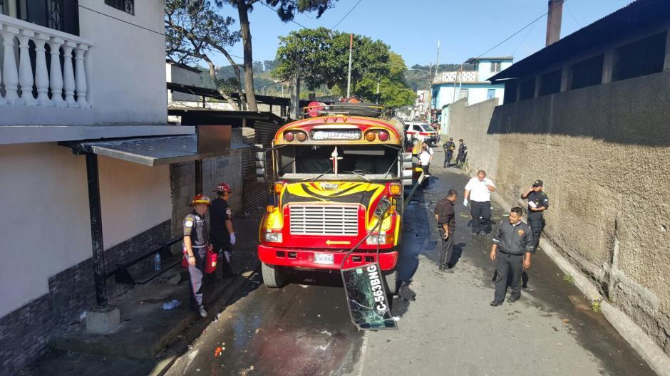 La explosión se produjo en un callejón del Municipio. (Foto: Bomberos Municipales)
