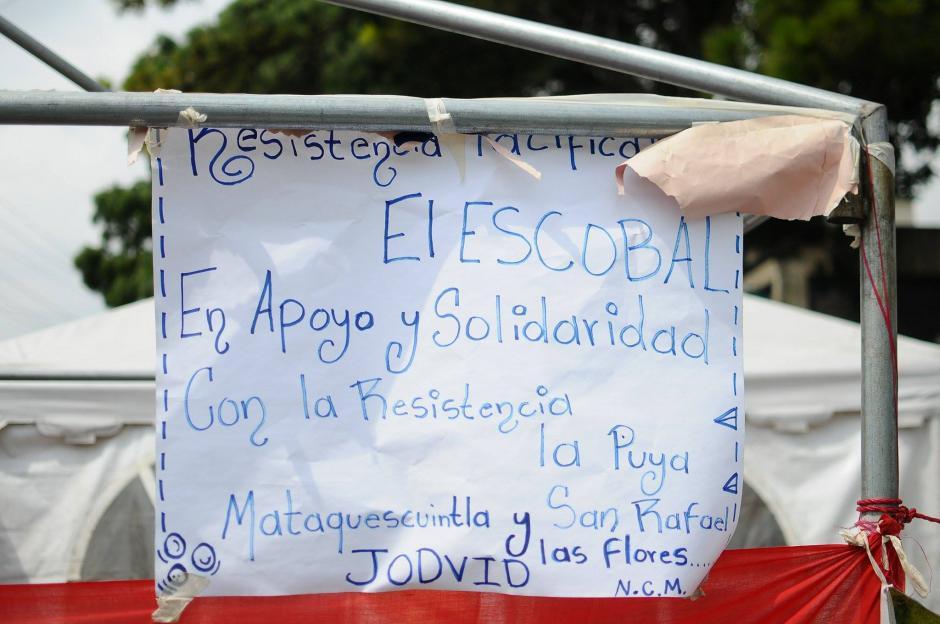 Los manifestantes esperan que el ministro de Energía y Minas aclare la situación. (Foto: Alejandro Balán/Soy502)