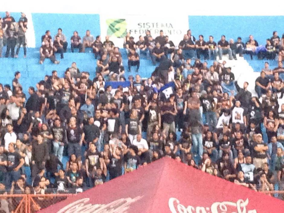 La asistencia al estado Mágico González fue masiva.