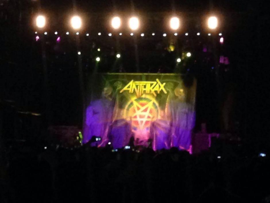 Los teloneros, Anthrax abrieron el concierto para Iron Maiden.