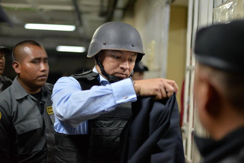 """Salvador González """"Eco"""" utiliza un chaleco antibalas y un caso para sus traslados fuera de prisión. (Foto: Wilder López/soy502)"""
