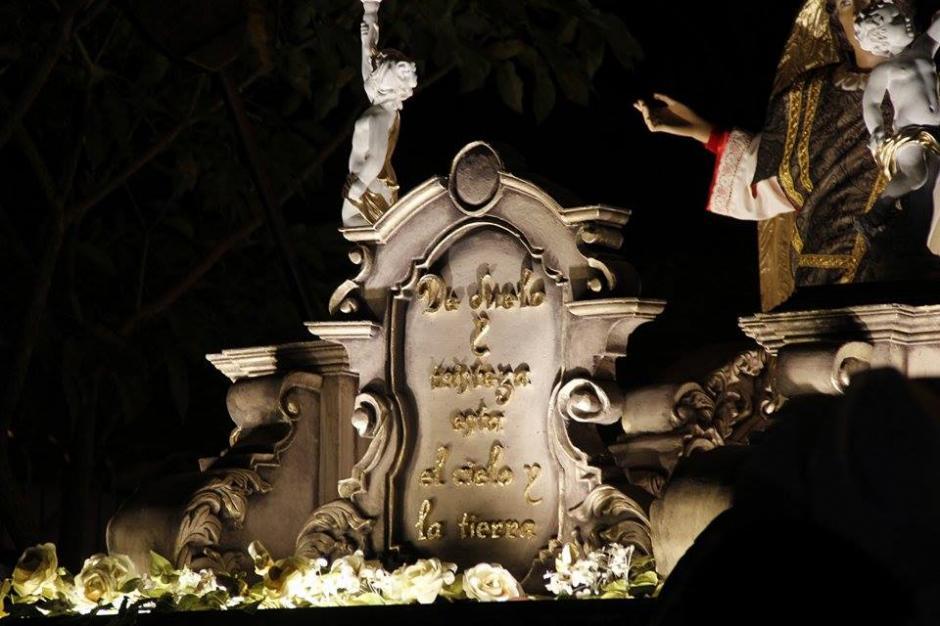 La Asociación de Cruzados del Santo Sepulcro prepararon el cortejo procesional de este viernes santo. (Foto: Jorge Sente/ Nuestro Diario)