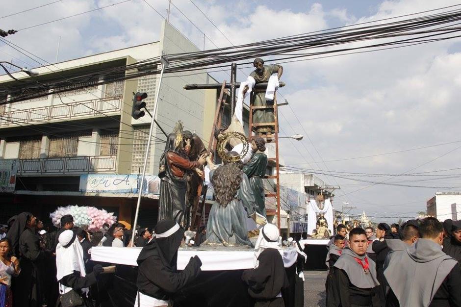 Cristo Yacente del Calvario es acompañado por la Virgen de la Soledad, San Juan y Santa María Magdalena. (Foto: Jorge Sente/ Nuestro Diario)