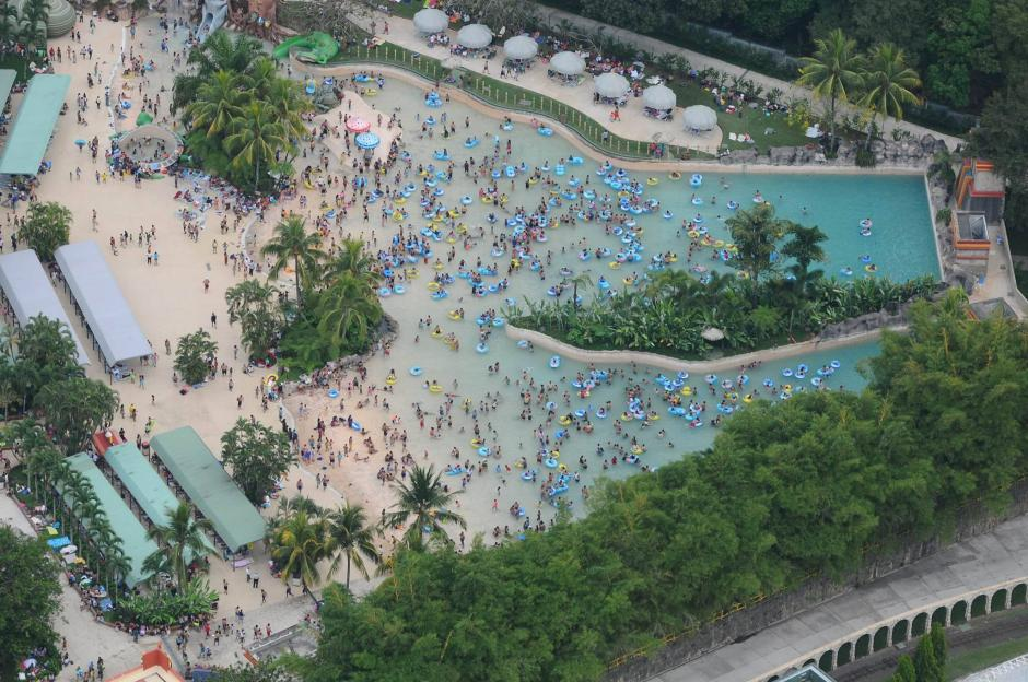 Así luce la piscina de olas del parque acuático Xocomil. (Foto: Alejandro Balán/Soy502)