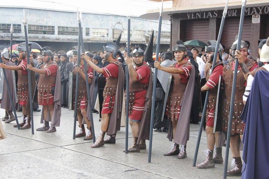 Se tiene previsto que se elaboren 150 alfombras en diferentes calles del Centro Histórico capitalino. (Foto: Jorge Sente/ Nuestro Diario)