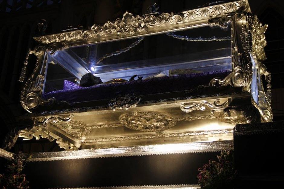 La Procesión de la Consagrada imagen del Señor Sepultado y la venerada imagen de Nuestra Señora de la Soledad recorren el Centro Histórico. (Foto: Jorge Sente/ Nuestro Diario)